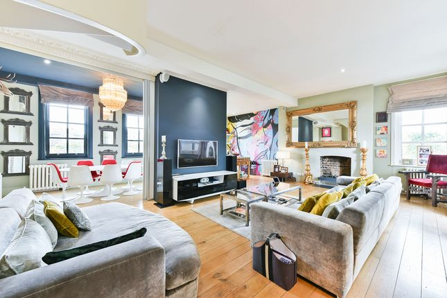 Thumbnail Flat for sale in Hoxton Street, London