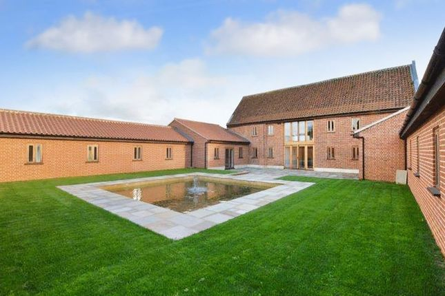 Thumbnail Barn conversion for sale in Neatherd Moor, Dereham