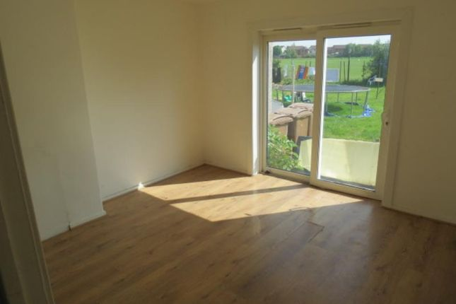 Thumbnail Flat to rent in 11 Ard Road, Flat B, Renfrew