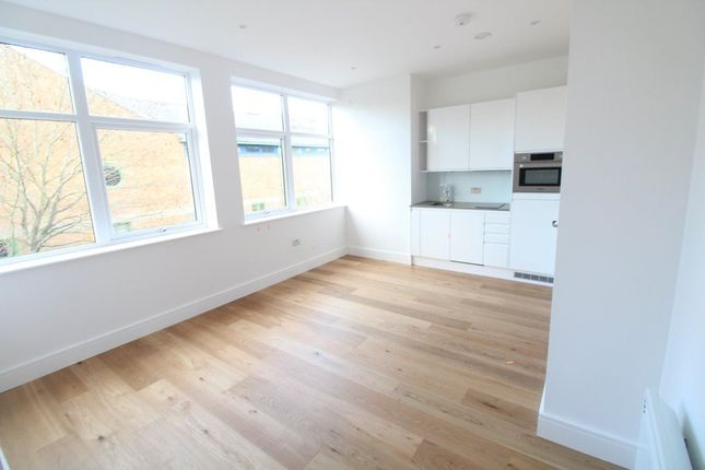 1 bed flat to rent in Flowers Way, Luton