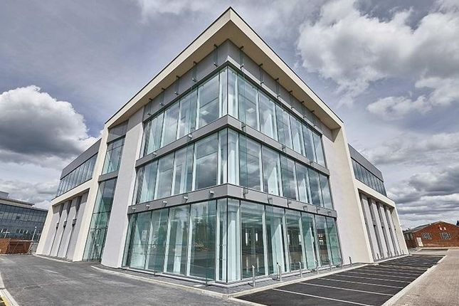 Thumbnail Office to let in Vanwall Business Park, Maidenhead