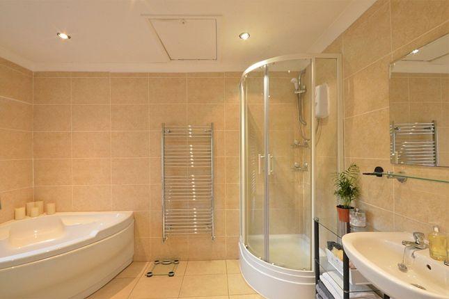 En-Suite of Whetmorhurst Lane, Mellor, Stockport SK6