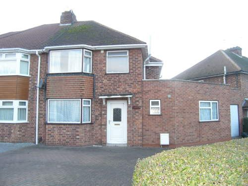Thumbnail Semi-detached house to rent in St. Margarets Road, Leamington Spa