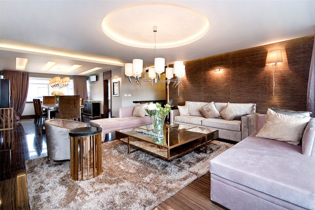 Thumbnail Flat for sale in Chelwood House, Gloucester Square, London