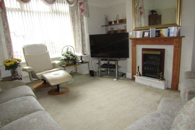Thumbnail Semi-detached house for sale in Hillside Avenue, Waterlooville