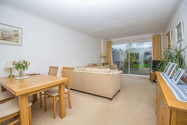 Reception of Spreighton Road, West Molesey KT8