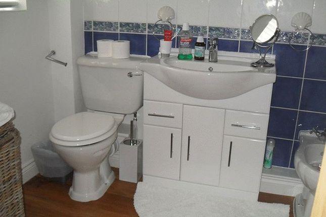 Family Bathroom of Green Way, Brockworth, Gloucester GL3