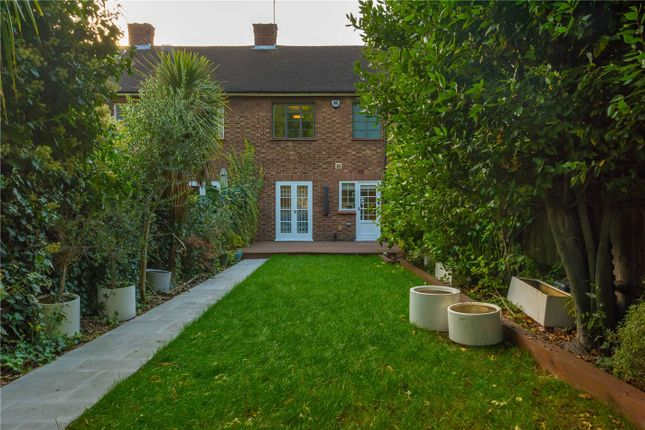 3 bed terraced house to rent in Keslake Road, London