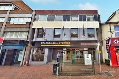 Thumbnail Pub/bar for sale in Diamond And Strings, Market Street, Watford, Hertfordshire