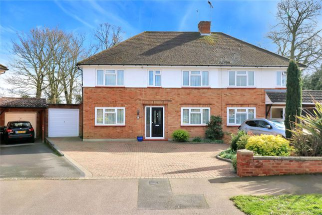 Front of Orchard Avenue, Watford WD25