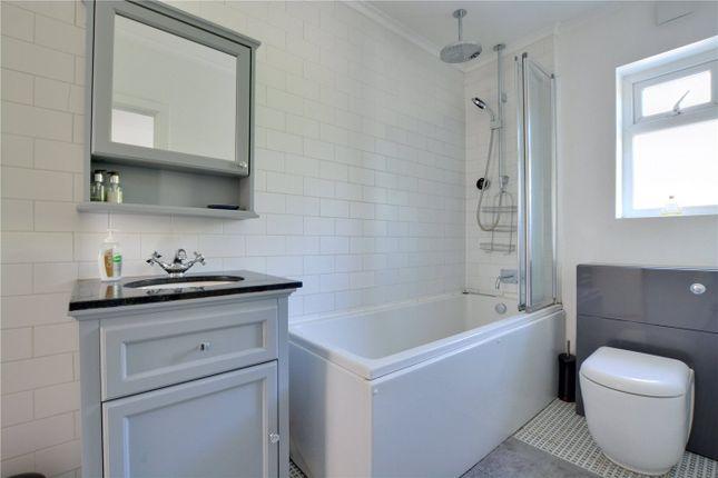 Bathroom of Straightsmouth, Greenwich SE10