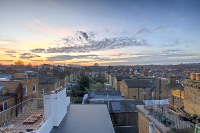 Thumbnail Flat to rent in Lordship Lane, London SE228Hn