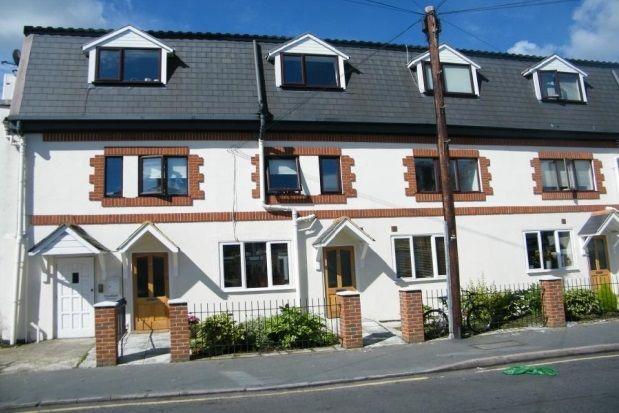 Thumbnail Flat to rent in Marlborough Road, Woking