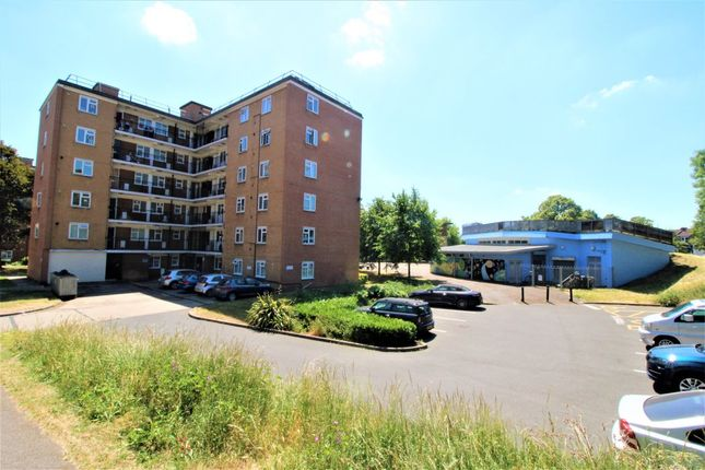 Thumbnail Flat for sale in Clayponds Gardens, London