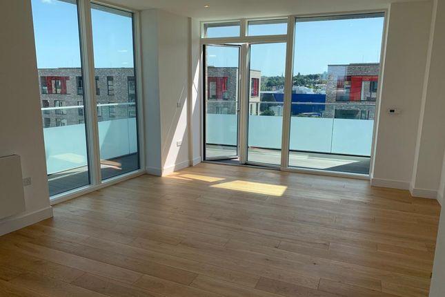2 bed flat to rent in Fiske Villas, West Parkside, Greenwich, London SE10