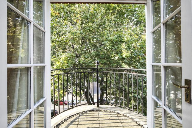 Picture No. 11 of Belvedere House, 130 Grosvenor Road, Pimlico, London SW1V