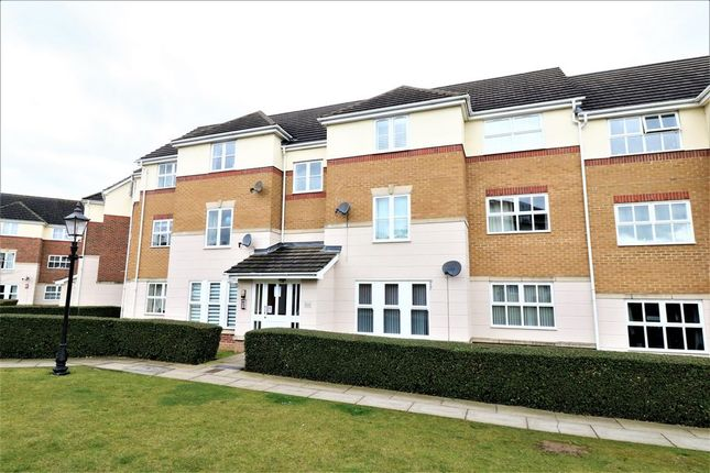 Thumbnail Flat to rent in Merlin Close, Chafford Hundred, Grays