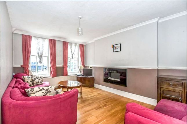 Thumbnail Flat for sale in Halton Road, Islington, London