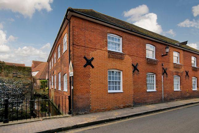 Thumbnail Flat to rent in Delf Street, Sandwich, Kent