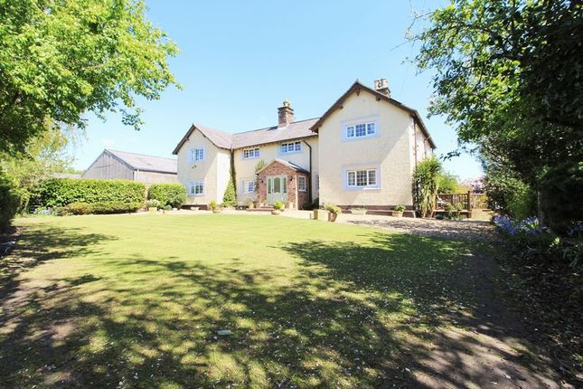 Thumbnail Farmhouse for sale in Mercers Lane, Bickerstaffe, Ormskirk