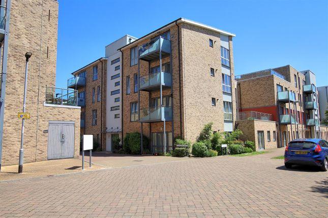 Thumbnail Flat for sale in Scholars Walk, Cambridge