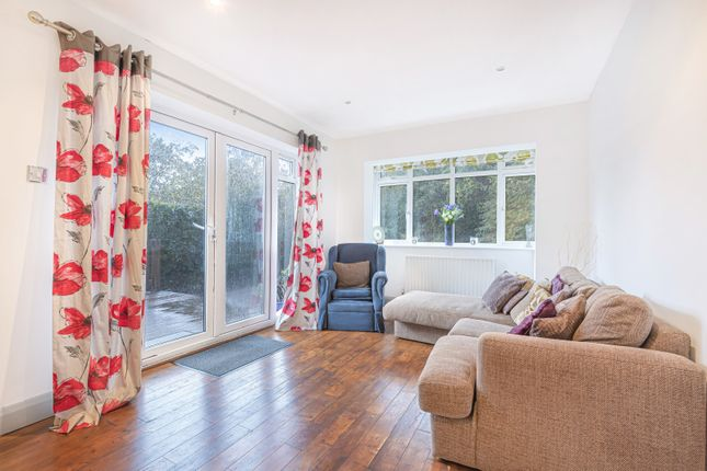 Lounge of Woodlands Avenue, West Byfleet KT14
