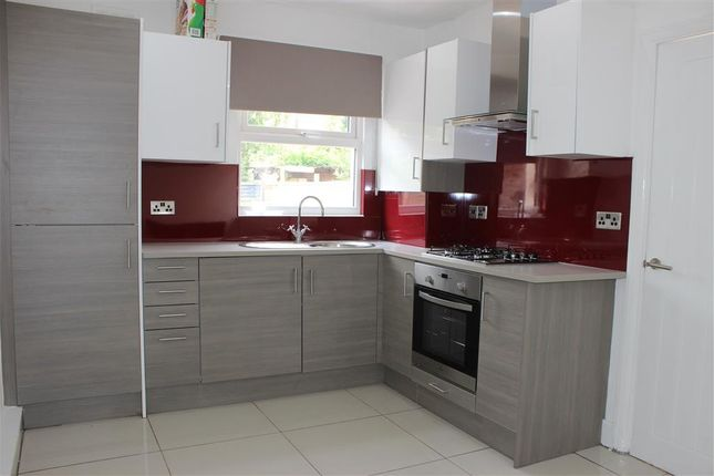Thumbnail Flat to rent in Boswell Road, Thornton Heath