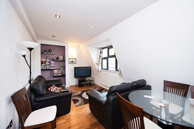 3 bed flat to rent in Umberston Street, Commercial Road