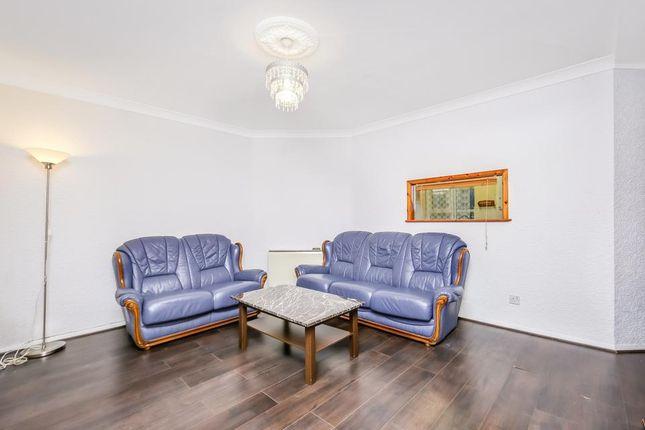 Living Room of Rennie Estate, London SE16