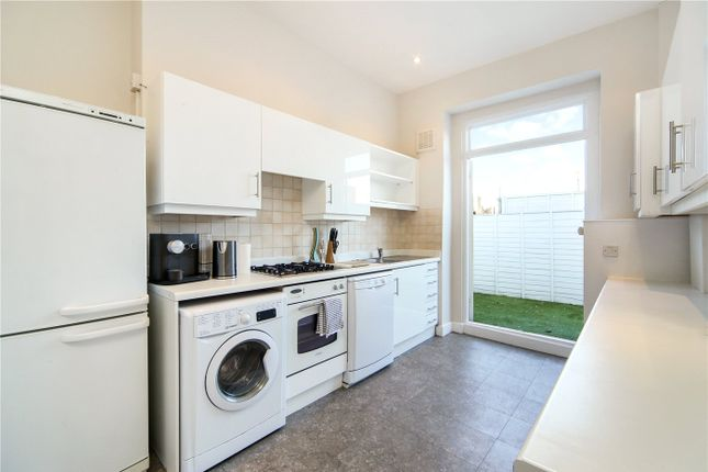 2 Bed Maisonette To Rent In Westbourne Grove London W11 Zoopla