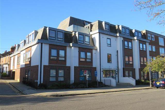 Thumbnail Flat to rent in Buckingham Street, Aylesbury
