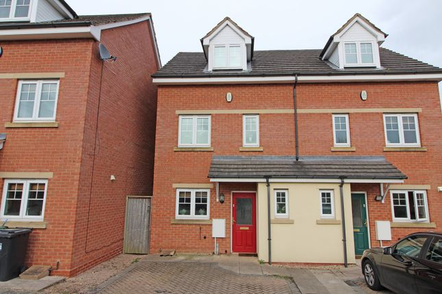 Thumbnail Town house for sale in Brockhill Lane, Redditch