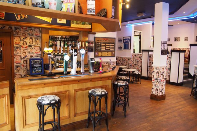 Thumbnail Restaurant/cafe for sale in Fish & Chips WF1, West Yorkshire