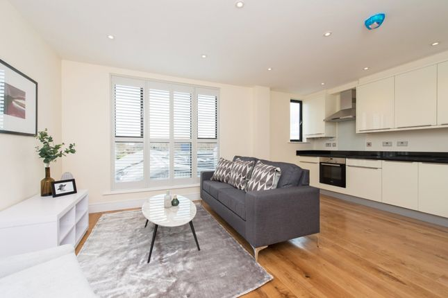 Flat to rent in Moran House, High Road