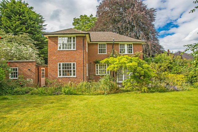 House-Hollymeoak-Road-Chipstead-1008