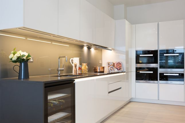 Thumbnail Duplex to rent in Riverwalk Apartments, 49 Townmead Road, London