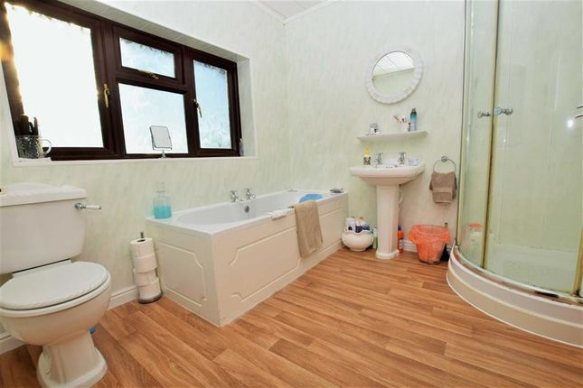 Family Bathroom of Grainsby Lane, Tetney, Lincolnshire DN36