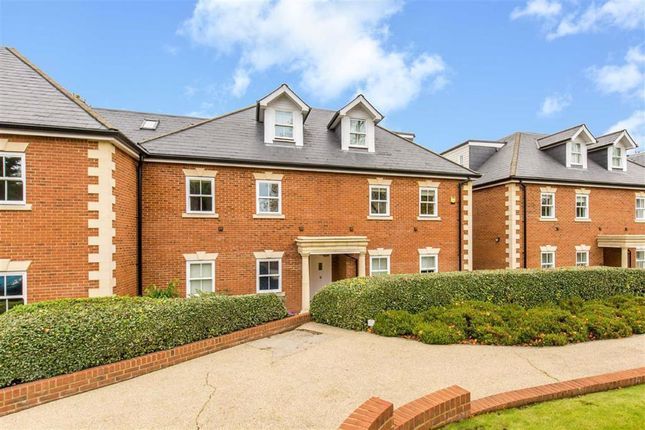 Flat for sale in West Hill Place, Oxted, Surrey