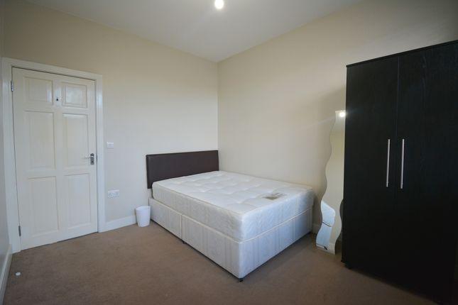 Thumbnail Flat to rent in Regina Road, Ealing