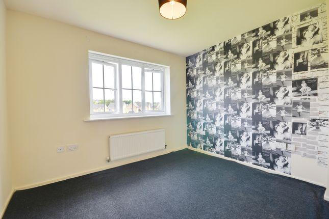 Bedroom of Lawson Court, Darwen BB3