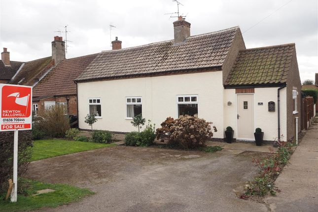 Thumbnail Bungalow for sale in Weaver Cottage, Palmer Road, Sutton-On-Trent.
