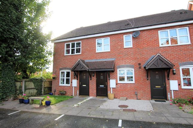 Mews house for sale in Birch End, Warwick