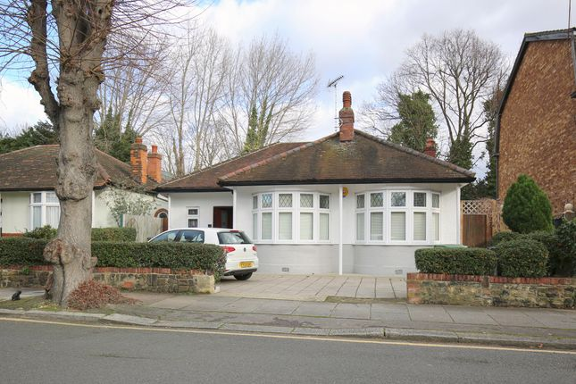 Thumbnail Bungalow to rent in Abbey Road, Enfield