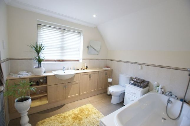 Bathroom of Winchester Road, Bishops Waltham, Southampton SO32