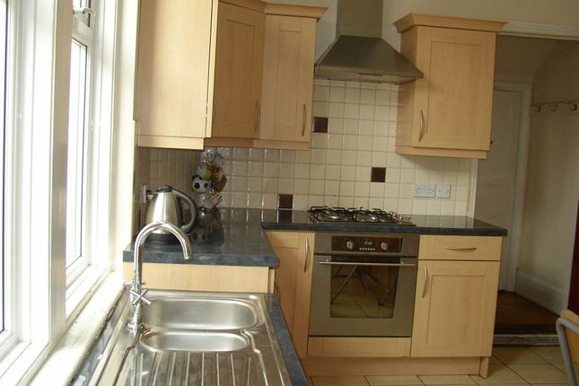 Thumbnail Town house to rent in Alexandra Road, Heaton, Newcastle Upon Tyne