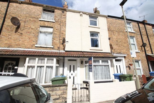 Thumbnail Terraced house to rent in Oxford Street, Scarborough