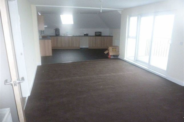 Thumbnail Flat to rent in Laburnum Way, Grovehill Road, Beverley