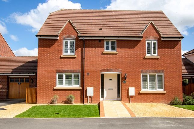 4 bed detached house for sale in Common View, Main Street, Grove, Wantage OX12