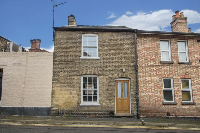 Thumbnail Terraced house for sale in Castle Row, Cambridge