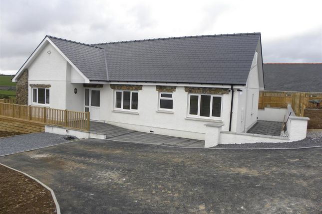 3 bed bungalow for sale in Llanllwni, Llanybydder SA40